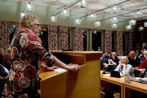 Det har fattats politiska beslut gällande skarven i Timrå men något svar från länsstyrelsen i frågan har inte levererats, vilket irriterar Ewa Lindstrand.