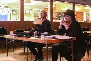 Ända sedan september har Jan Hammarlund och Gun Bylund Viggerevyns aktörer och musiker inför årets föreställning.