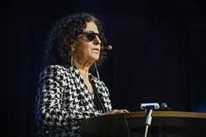 Denise Cresso-Nydén har en bakgrund inom Feministiskt Initiativ.