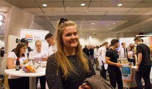 Letade hantverk och nyskapande idéer. Therese Kihlander, 24 år, näringslivssamordnare, Västerås fick något av en nostalgitripp när hon gick runt på mässan. Som 17-åring var hon själv med och ställde ut på UF.