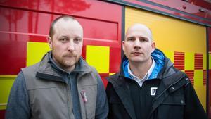 Pontus Skoglund (till vänster i bild) och Fredrik Martinson är båda skyddsombud och agerar nu tillsammans för att få till stånd en oberoende genomlysning av arbetsmiljöfrågorna vid brandstationerna.