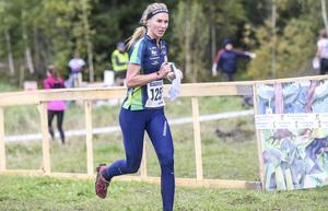 Josefine Heikka gjorde en stark andrasträcka i Alfta-Ösas stafettlag.
