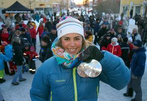 Anna Haag hyllas hemma i Orsa efter OS-succén i Vancouver. Foto: Jan Norberg
