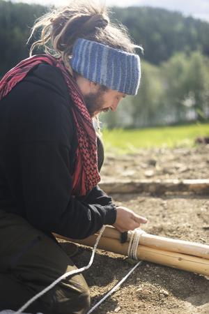 Tältet är tillverkat i bomullscanvas och sytt på traditionellt vis.