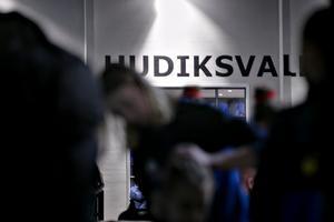 Hudiksvalls gymnastikförening, till vardags Hudikgympan, slog upp portarna till de nya gymnastiklokalerna i en gammal industrilokal 2016.