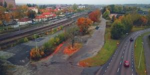 Tanken att den nya parkeringsplatsen ska ligga på Norrmalm, strax intill gamla godsmottagingen.