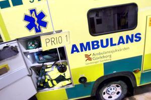 I februari kommer ambulanspersonalen ta över en del av primärvårdens arbete.