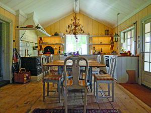 Köket i den ombyggda timmerladan. Foto: Göran Gudmundsson