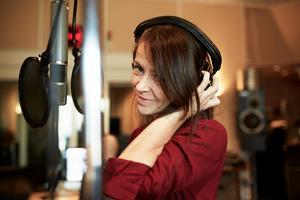 Kanadensiska Wendy McNeill gör ett gästspel på singeln. Bild: pressbild