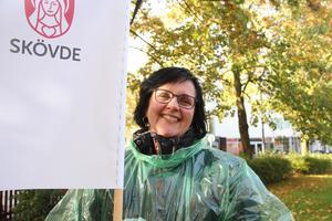 Kommunalrådet Ulrica Johansson (C) representerade Skövde kommun i Prideparaden.