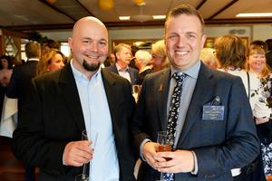 Radek Jackiewicz restaurangchef på Söråkers herrgård och David Tengerström har ett hobbyföretag som heter Musikreturen.
