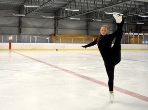 Wilma Zetterström har tränat konståkning i tolv år.