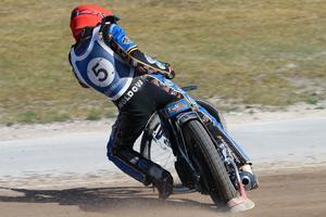 Rasmus Jensen in action. Foto: Roffe Lundstedt/speedwayfoto.com