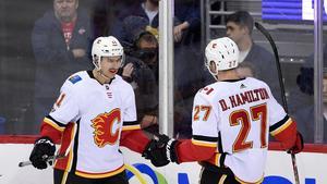 Mikael backlund har nu gjort 100 mål i NHL. Bild: TT.