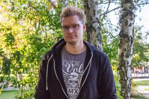 Hade femåringen rymt en dag tidigare hade det inte funnits någon hemma för att ta hand om henne framhåller Niklas Leinonen, Hudiksvall.