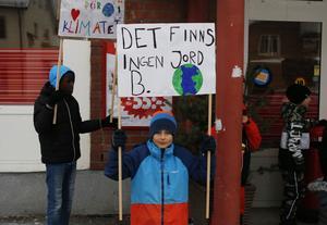 Milton Tjärnberg var en av eleverna som strejkade utanför Ica i Ramsele.