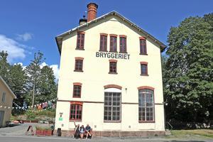 Helgen den 7-8 september arrangeras kulturslingan Ljusstråk 2019. Från och med i lördags, och fram till och med Ljusstråkshelgen, visas nu en samlingsutställning i Bryggeriet.