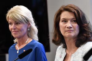 Anna Hallberg, ny handelsminister, och Ann Linde, ny utrikesminister, presenteras under en pressträff i samband med riksmötets öppnande.Foto: Henrik Montgomery / TT