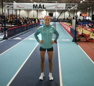 Fanny Schulstad, som kommer från Örebro och som spelat i elitserien med ÖSK Innebandy, vann tiokilometersloppet på 37.28.