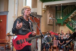 Janne Schaffer i Nora kyrka i augusti i år.