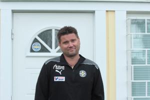 Jonny Rödlund förväntar sig mycket hjärta från VSK-spelarna.