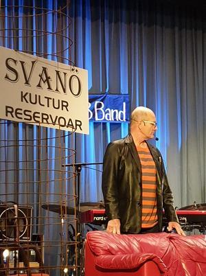 Den nya skylten till Svanö