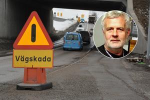 Bosse Klockarmark, Total bil i Falun, får byta många fjädrar till följd av dåliga vägförhållande. Bild: Jakob Larsson & Total bil i Falun