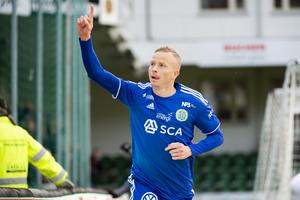 Tobias Eriksson spelar från start mot Norrköping. Bild: Erik Mårtensson/TT.