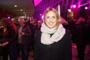 Anna Olsson vågade sig till arenan och konserten, från Årsunda, trots snö och slask.