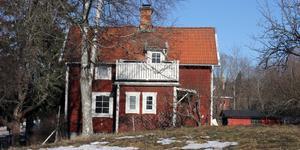Villan på Blomstervägen 12A  såldes för 950 000 kronor.