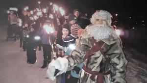 Fackeltåg genom Tännäs är ett traditionellt inslag i julgranständningen i Tännäs. Foto: PA Tapper