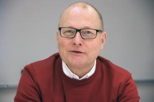 Det förs diskussioner med två intressenter, som vill köpa hotellet, säger kommunalrådet Håkan Englund (S).