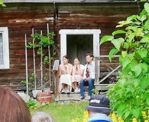 Syskon Westin från Ringa i Norrala, Klara, Jill och Holme, bjöd på vacker folkmusik.