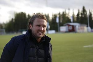 Björn Hamberg på Lövstas konstgräs i maj 2019.