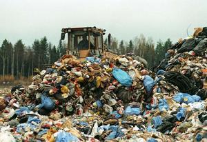Kastat. Sopor har blivit en tillväxtbransch som växer i takt med att vi shoppar ihjäl den här planeten.