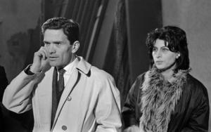 Den alltid lika stilmedvetne Pier Paolo Pasolini tillsammans med skåderspelerskan Anna Magnani 1960. Foto: AP