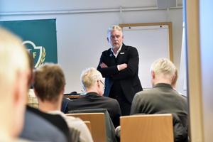 J-Södras ordförande Mats Tidstrand blev omvald.