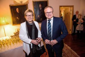 Örnsköldsviks kommunalråd Glenn Nordlund (S) tillsammans med partiveteranen Elvy Söderström.