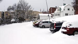 Sex av parkeringsplatserna mot Stationsgatan kommer att stängas av.