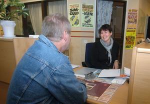 På torsdag är det sista dagen receptionen på polisstationen i Edsbyn är öppen. Anna-Lena Högberg har jobbat där en dag i veckan.