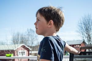 Hjalmar Viklund, 6 år, föddes med ett svårt hjärtfel.