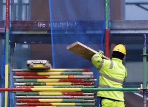Årets avtalsrörelse måste leda till att konkurrensförmågan för seriösa byggföretag förbättras, inte tvärtom, skriver debattförfattaren.