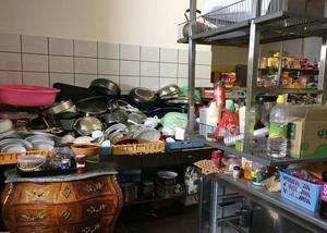 Foto: Polisen. Bilden togs av köket i affären och ingår i förundersökningen om  misstänkt brott mot utlänningslagen, som innehavaren friades från.