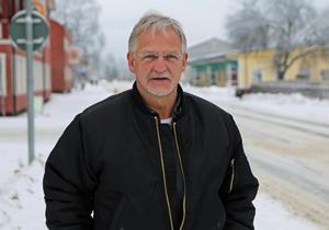 Mikael Hedberg trivs som lärare och särskilt med att hjälpa eleverna i deras UF-företagsamhet.