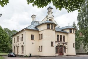 Krylbo tingshus har varit till salu sedan i juni. Foto: BLOKK Fastighetspartner
