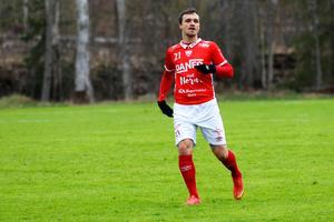 Shpetim Hasani spelade i Nora 2018 (bilden) och Karlslund 2019. 2020 kommer han representera Mariebergs IK.