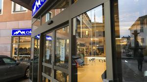 Cykel- och längdbutiken på Slaggatan var stängd i tre veckor innan en ny ägare öppnade butiken igen i mitten av november.