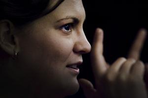 Lina Blomqvist är inne på sitt tredje år som dirigent för Gungner, en relativt ung kör som har egen själ.