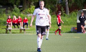 BK30:s Arto Ojutkangas leder skytteligan med sina 15 mål.