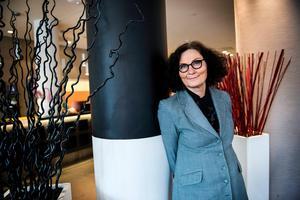 Ebba Witt-Brattström presenterar den nya novellsamlingen vid årets Littfest i Umeå.